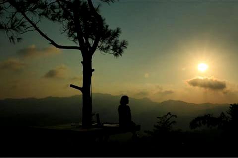 Menikmati sunset di Kalibiru