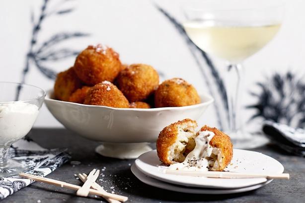 Arancini dengan mozarella (taste.com.au)