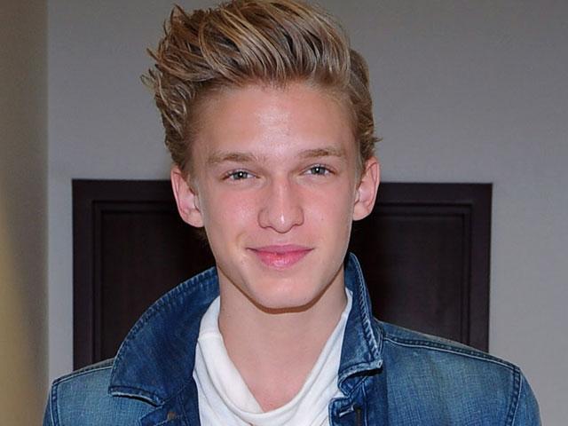 Cody Simpson (healthyceleb.com)