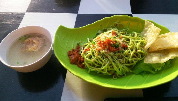 mie buto ijo (indoturs)