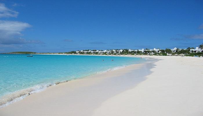 Mengarungi 5 Pantai dengan Landscape Terunik