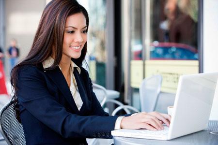 bekerja di kantor termasuk kegiatan positif (thinkstockphotos)