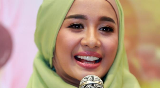 Datangi Panti Asuhan, Laudya Cynthia Bella Beri Nama untuk Bayi