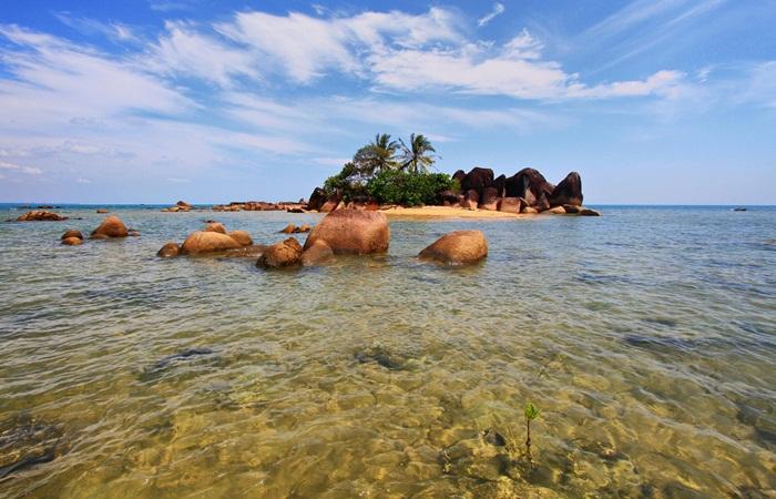 Nikmati Indahnya Temajuk, Sepotong Surga di Ujung Kalimantan