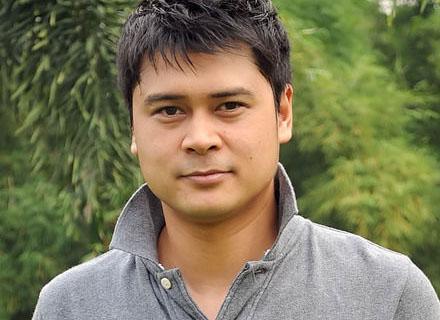Iqbal Pakula (tvguide)