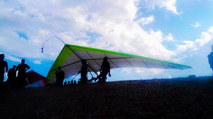 Lokasi Wisata Paralayang Gunung Panten Desa Sidamukti Kecamatan Kabupaten Majalengka