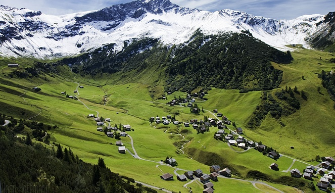 Pemandangan Liechtenstein (Imgur)