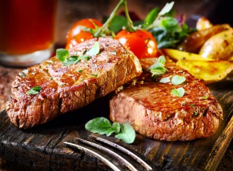 Steaks (www.tomasinospizza.com)
