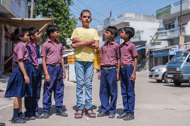 Karan Singh dan teman sebayanya (Mirror)