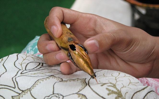 Pembuatan Batik Hokokai (Boombastis)