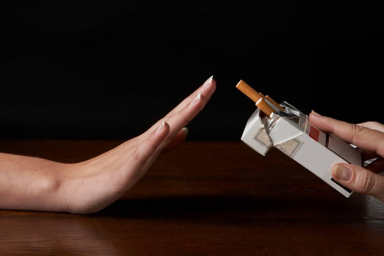 Kamu Punya Kebiasaan Merokok Setelah Makan? Ini Dia Akibatnya