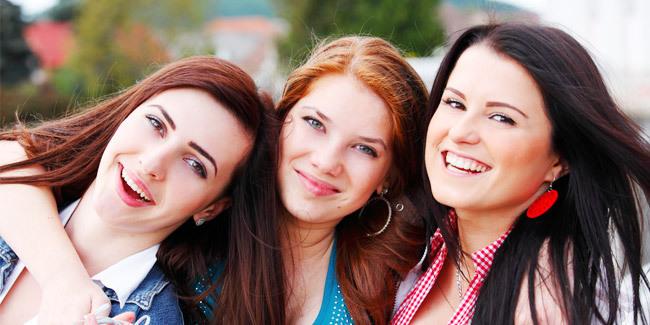 Dia orang pertama yang buat kamu tersenyum ketika ada masalah (http://thinkstockphotos.com/)