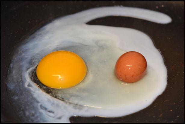 Telur di dalam telur (Mirror)