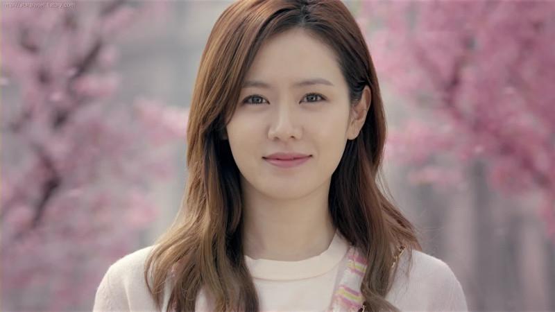 Son Ye Jin (koreanindo.net)
