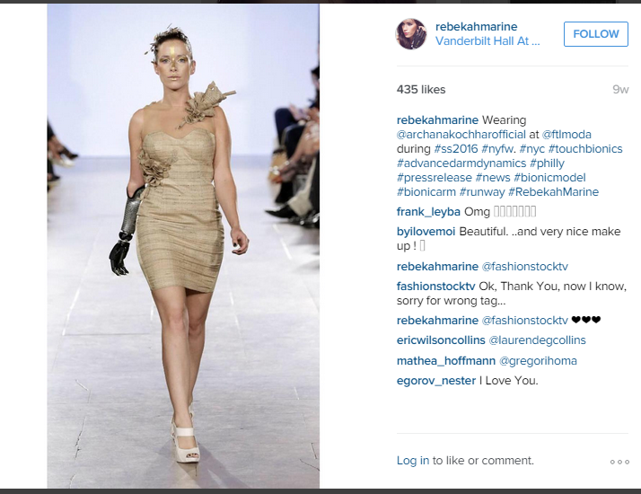 Rebekah Marine tampil pada acara New York Fashion Week (instagram.com)