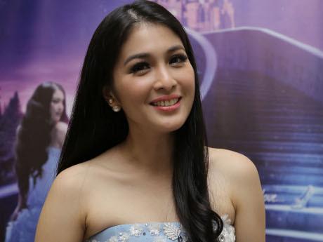 Sandra Dewi (detik)