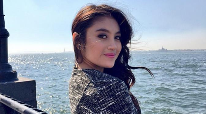FOTO : Pesona Cantik Nabilah Eks JKT48, Benar-benar Bikin Cowok Jatuh Cinta