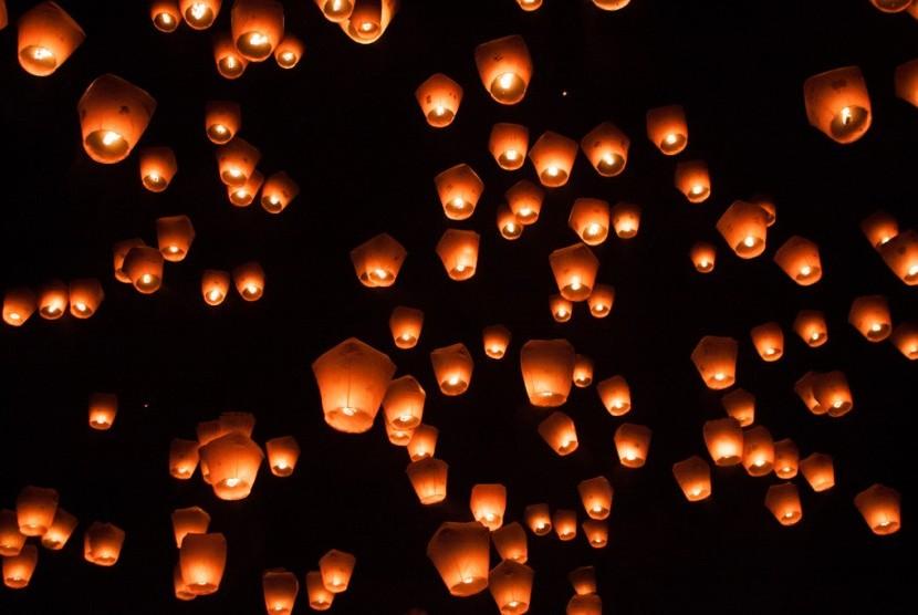 Rayakan Pesta Akhir Tahun Romantis ke Hutan Lampion di Kaliurang
