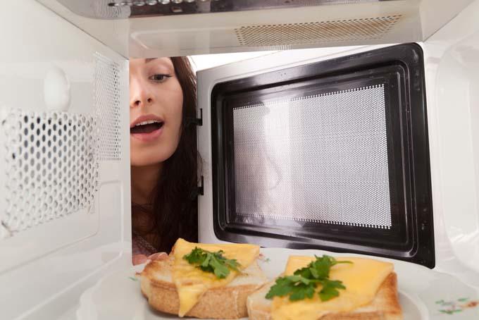 5 Kuliner yang Cukup Dimasak dengan Microwave