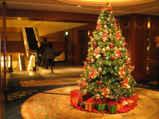 Masyarakat Jerman Sambut Natal dengan Hias Pohon Natal