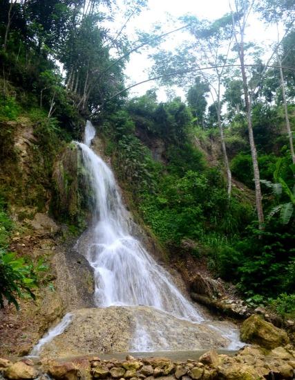 Air Terjun Kembang Soka (missrisna.blogspot.com)
