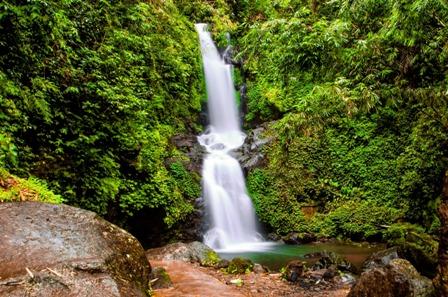 Air Terjun Sekar Langit (dolanmagelang.blogspot.com)
