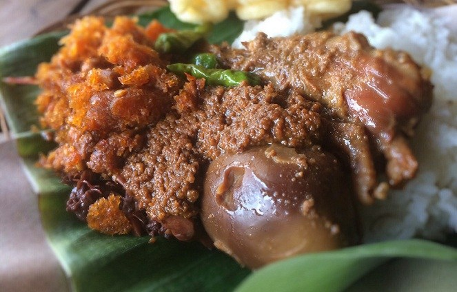 Gudeg (Tropicaltourtransport)