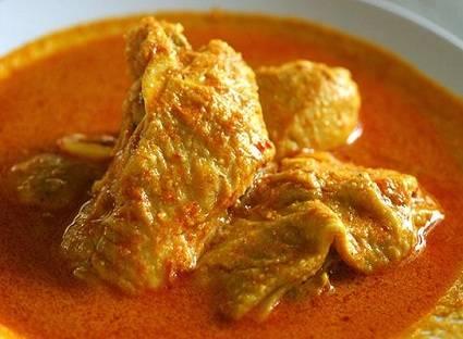 Gulai Ayam Padang (www.rebelacatering.com)
