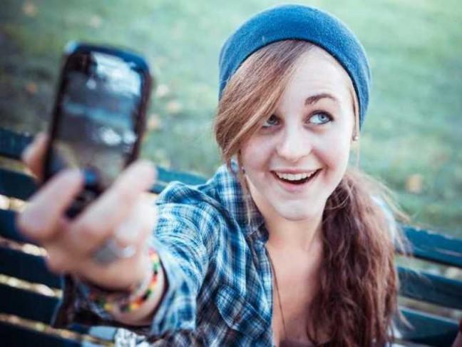 Berfoto selfie (nowmagazine)