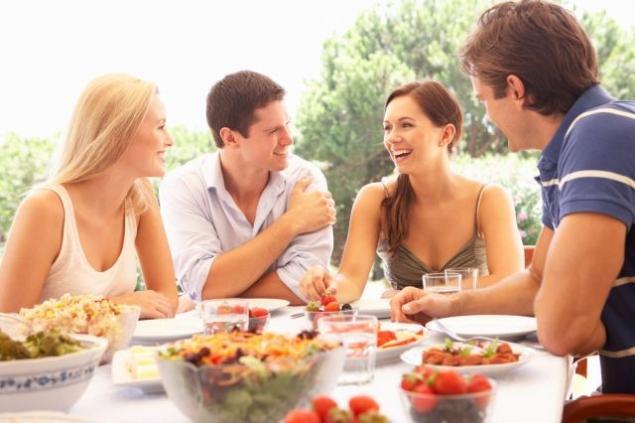 Kenalkan dengan teman-temanmu (photograph)