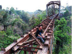Jembatan Ompong Andir Ciwidey