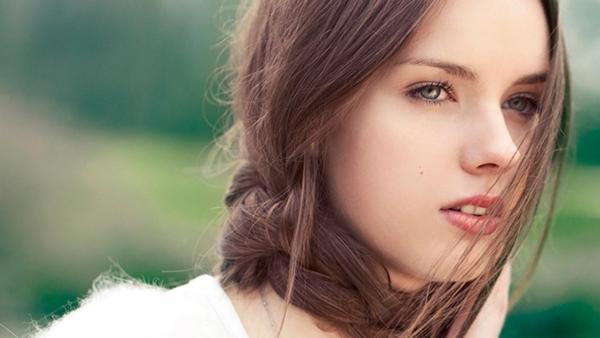 Cewek Tanpa Make-up itu Percaya Diri (nowmagazine)