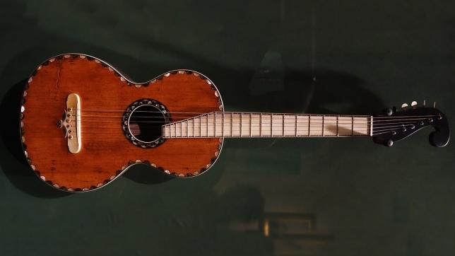 Gitar dalam film The Hateful Eight (Thehatefuleight)