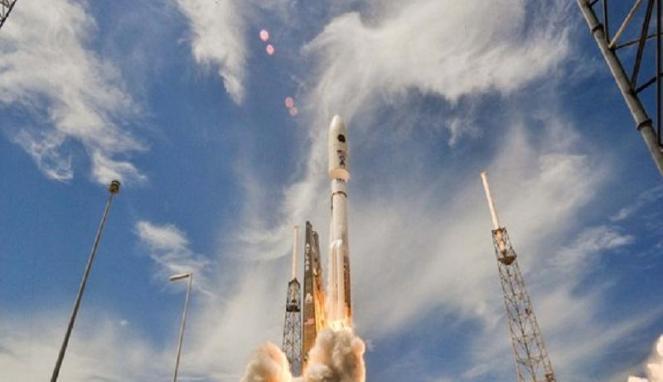 Roket Atlas 5 (Space)