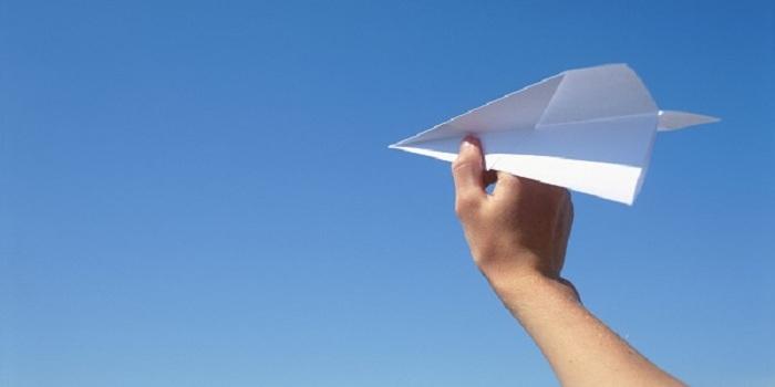 Pesawat Kertas Ini Bisa Terbang Sejauh 70 Meter, Begini Cara Membuatnya