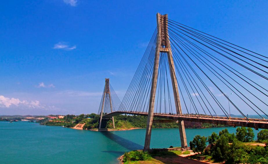 Potret Jembatan Barelang, Ikon Kota Batam yang Menawan