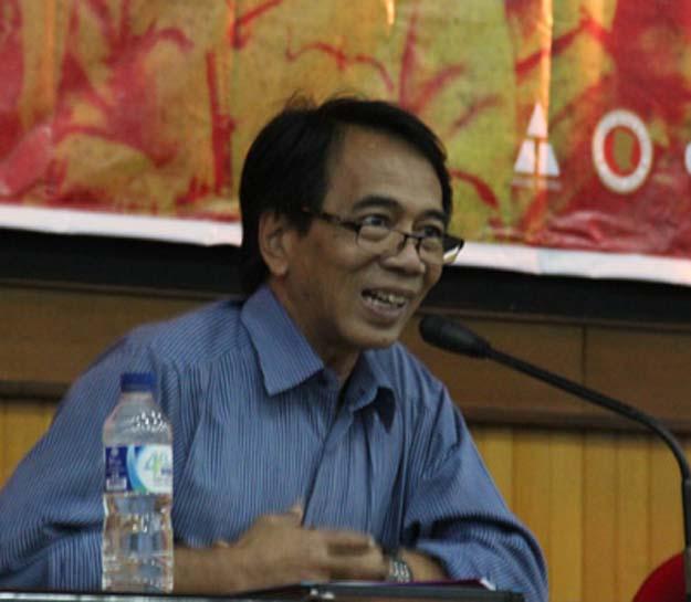 Dr Lono Simatupang (Tembi)