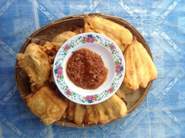 Pisang Goreng Sambal (akmasuatan.wordpress.com)