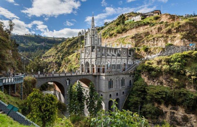 Las Lajas Sanctuary di Kolombia (momondo.ie)