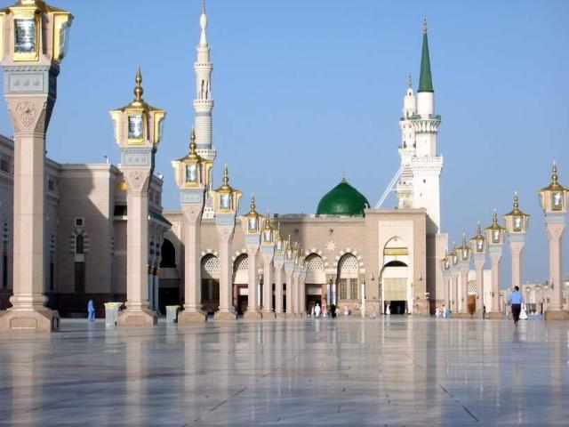 Masjid Nabawi (media.zoya.co.id)