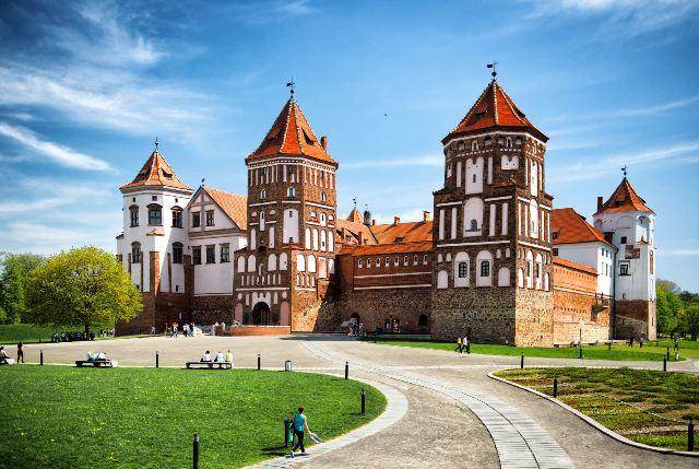 Mir Castle di Belarus (www.glozine.com)
