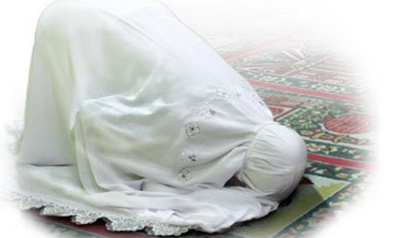Lihat Teman Kost Salat, Wanita Ini Jatuh Cinta dengan Islam