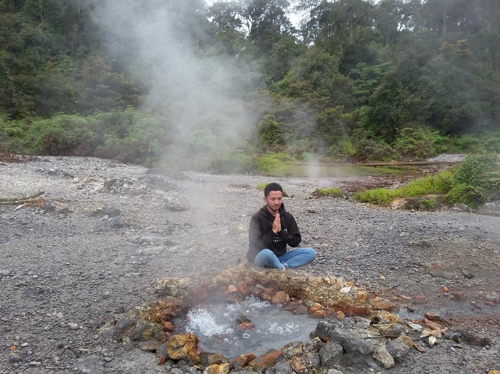 Kawah Keneng Rancabolang Ciwidey
