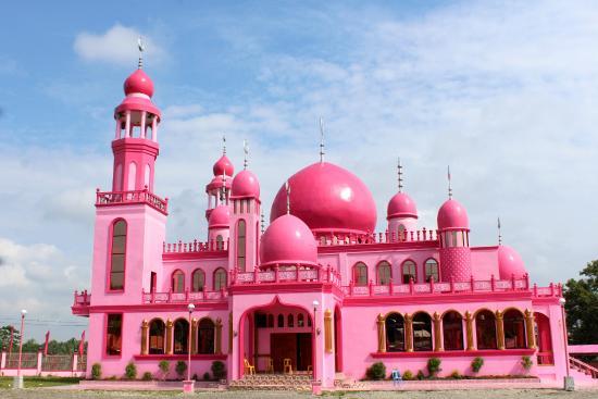 Imutnya Masjid Serba Pink di Filipina yang Jadi Berita Wisata Popular