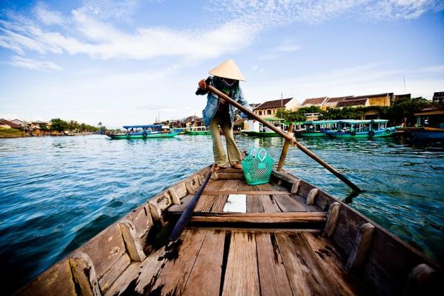 Tema Sosial Pendayung Perahu (www.rahlat.com)