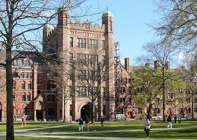 Universitas Yale (Slate)