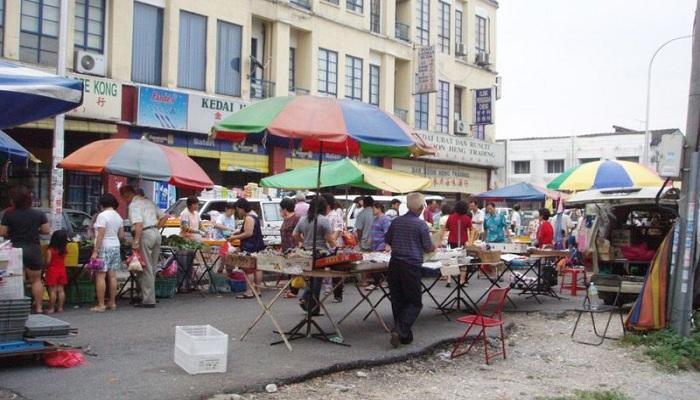 5 Pasar Unik yang Cuma Ada di Indonesia