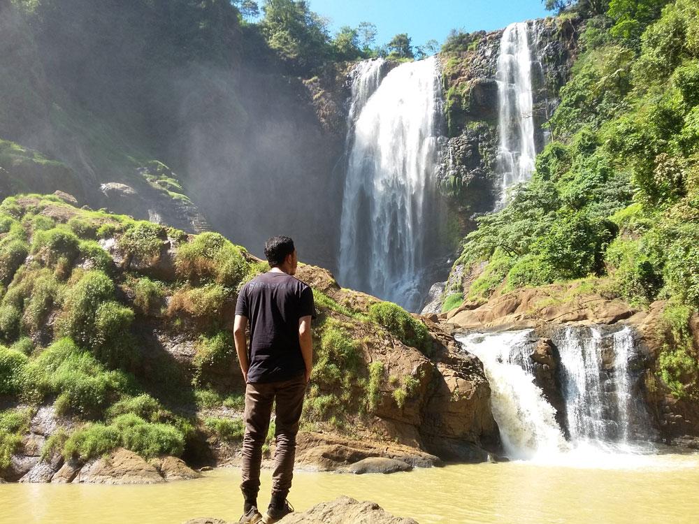 Berkunjung ke Wisata Air Terjun Puncak Manik Dijamin Bikin Kamu Lupa Pulang