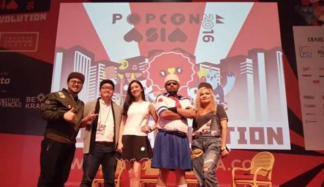 Raline Shah (tengah) di acara Popcon Asia (Viva)