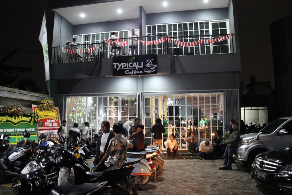 Usir Ngantukmu di Rooftop Typicali Coffee Bekasi